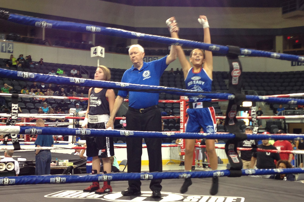 2015 World Championship Alexis has three bouts. The first two ended in TKO and the third Alexis gave her opponent 3 standing eight counts and won by unanimous decision.